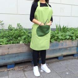 Keukenschort Aankleden